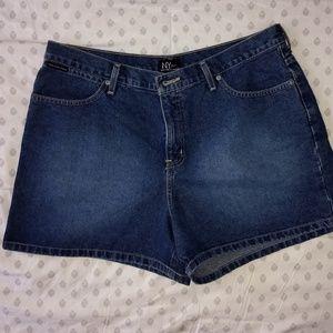 Women's NY & Company 4 inch shorts. 🆕WOT